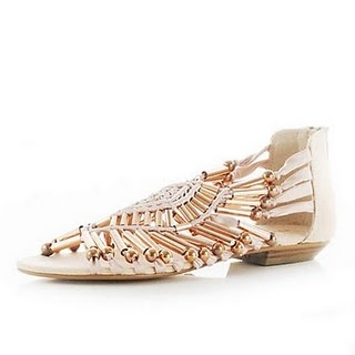 Sandals from River Island are in myfavoritesummer shade, €46