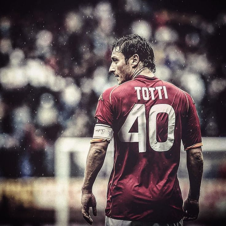 The no.10 turns 40 today. Happy Birthday Francesco Totti #Totti40 . . . #footydotcom #fcfc #footy #footballboot #soccercleats #football #soccer #futbol #futbolsport #cleatstagram #totalsocceroffical #fussball #bestoffootball #rldesignz #footballnews #asroma #roma #roma #totti #francescototti #nike #nikefootball #nikesoccer #tiempo #legend #seriea #italy #italia