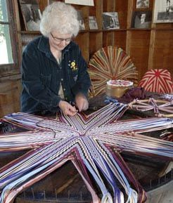 Tauny Pbs Folk Art Series Rug Loomwagon Wheelshandmade