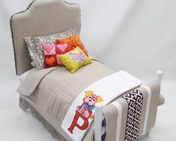 Covered Headboard Bed from Doll Stuff by Jana