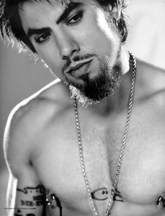 Dave Navarro......daaaaaaammmmnn...do I need to say more? I think not!