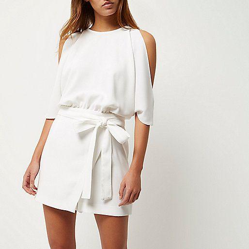 Combi-short blanc découpé aux épaules - Combi-shorts - Combi-shorts/combinaisons - femme