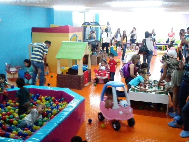#Chupitos  Una zona repleta de actividades para los bebés gateadores hasta 4 años.  #Bebés #Gateadores #Disfraces #PiscinaDePelotas #Trenes #Carros #BrincaBrinca