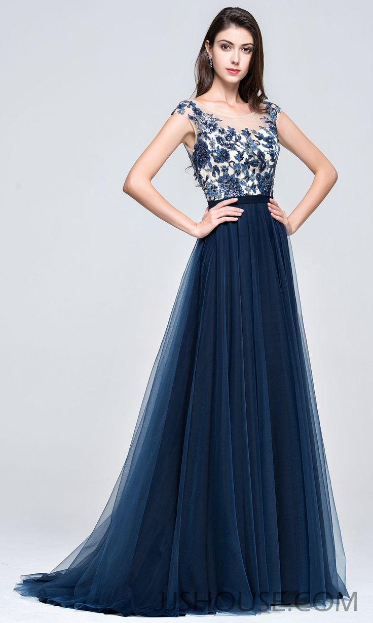 This glamorous prom dress will be part of your fondest of memories for years to come. #JJsHouse #Party #Prom