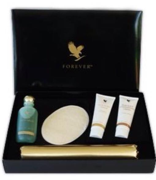 Today's special offer is 15% of this amazing aloe body toning kit! Reduce/eliminate cellulite & drop inches instantly! This amazing kit gives you around 6 FULL body wraps or 15-18 mini body wraps. Comes beautifully packaged & would make a lovely gift for someone. Beautifully presented & can also be gift wrapped if you wish.