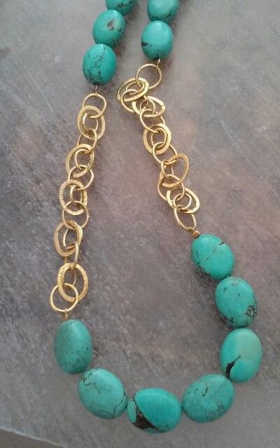 GOLD NECLACE WITH TURQUOISE