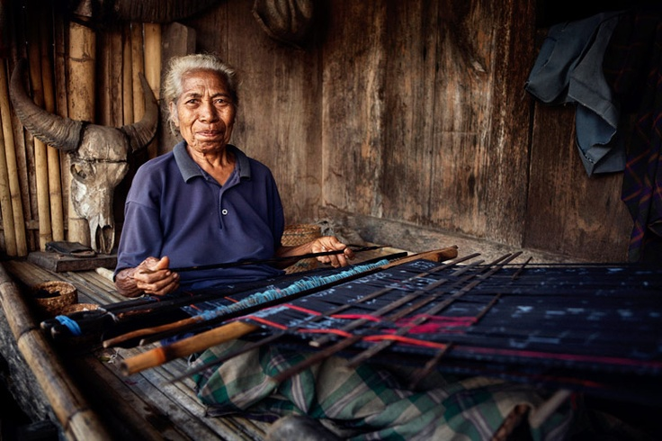 Ikat maker - Flores, Indonesia 2008