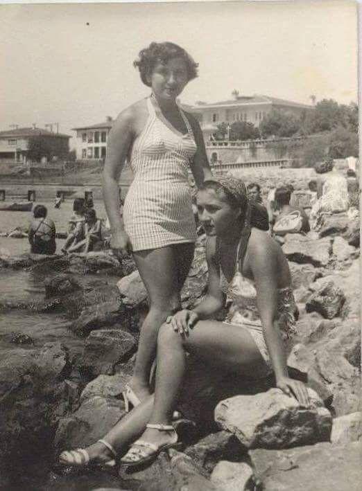 Caddebostan Sahili'nde eskimeyen zamanlar .. (1947) #istanlook #nostalji #birzamanlar