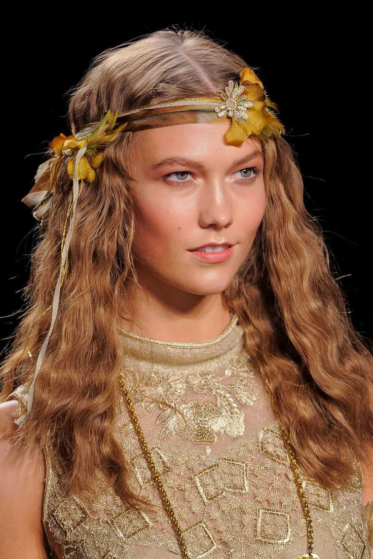 Flowers in the Hair - Anna Sui THE HOTTEST HAIRSTYLES FOR SPRING 2014