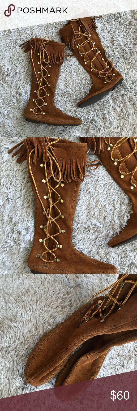 Minnetonka suede fringe side lace boots Amazing hippie boho style boots. Good used condition! Soft cushioned sole, genuine suede. Bundle for a disc