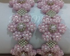 http://www.beadshop.com.br/?utm_source=pinterest&utm_medium=pint&partner=pin13 Tiara com flores de pérolas