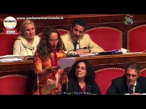 """Riforme, Paola Taverna: """"State offendendo l'intelligenza dei cittadini!"""""""