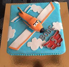 Dusty Planes Cake special for Bode, he became 5 years and love this plane... Dusty Planes taart voor Bode. Hij werd 5 jaar oud en is gek op dit vliegtuig...