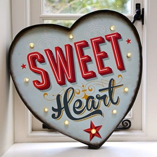 https://www.thegreatgiftcompany.co.uk/gifts-by-occasion/events/birthday/50th/sweet_heart_carnival_light.htm