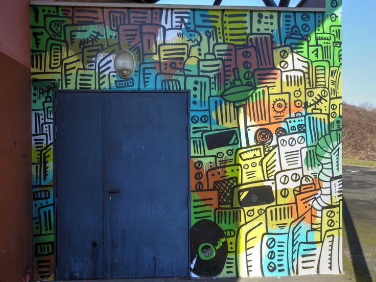 Street art à Brie-Comte-Robert - Lycée Blaise Pascal - Fresque en couleur 20170215160