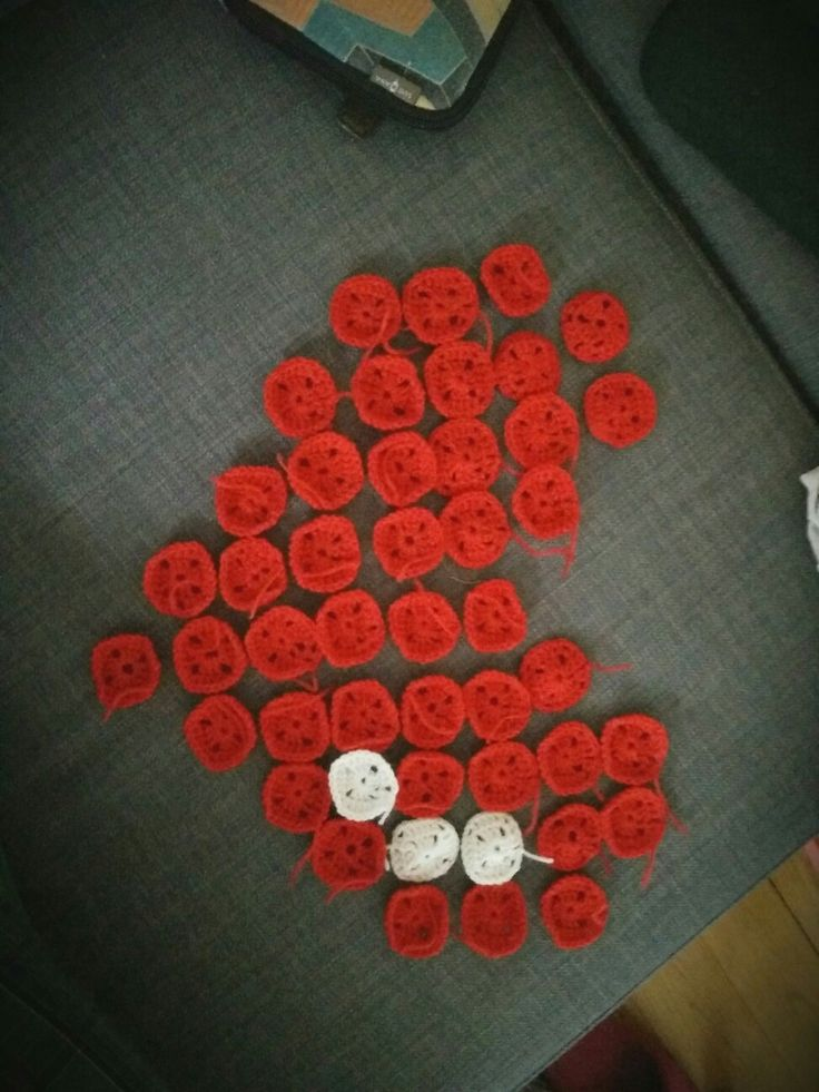 Pieces of crochet #heartaddict