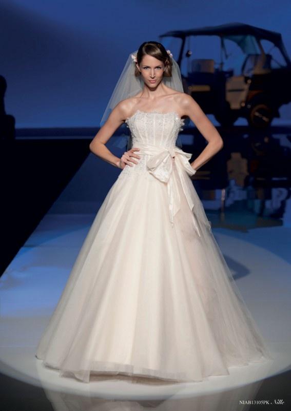 Collezione abiti da sposa #Nicole, abito da #sposa modello Nille