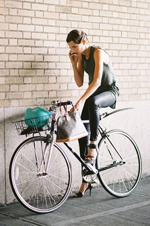 New York Fashion Week cycle chic
