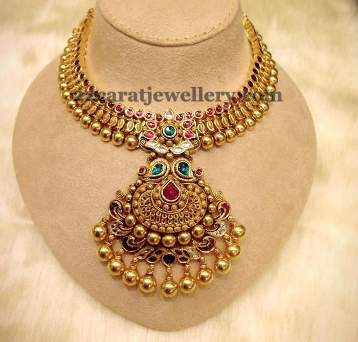 Jewellery Designs: Antique Finish Kundan Set 49gms