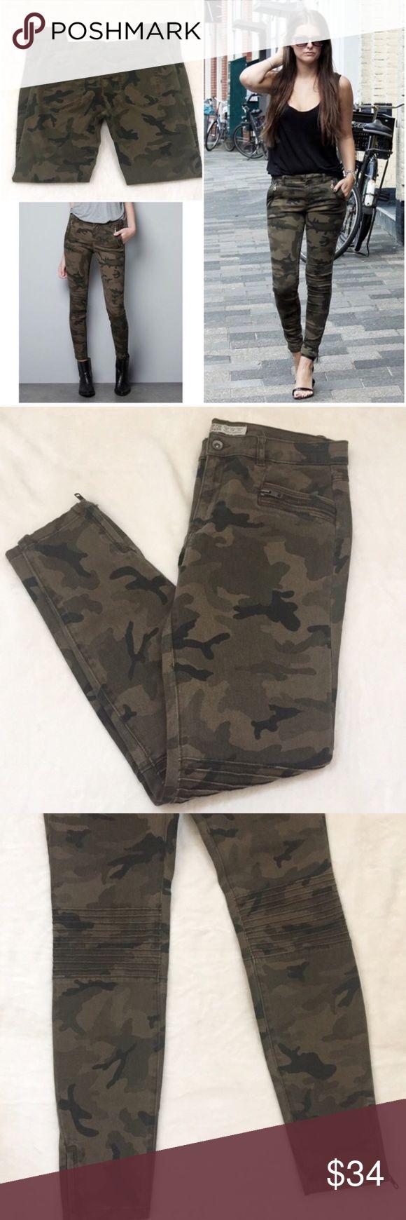 Zara Moro Skinny Ankle Zip Camouflage Jeans Moto style camp jeans by Zara. NWOT...no wear, tear, or stains Zara Jeans Skinny