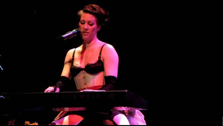 "The Dresden Dolls - ""Pirate Jenny (Seeräuber-Jenny), enregistrement live, House of blues San Diego, 30/12/2010"