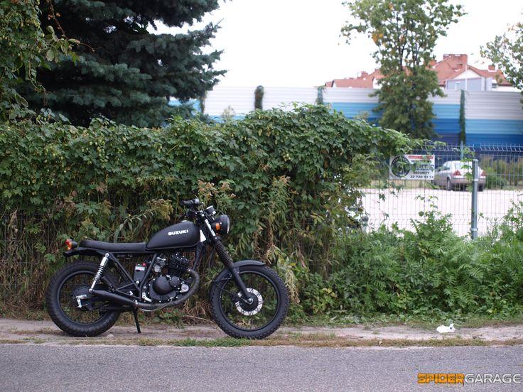 Suzuki gn125 scrambler