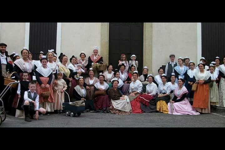 #mireilles et #arlesiennes  tous ensemble pour nos #traditions