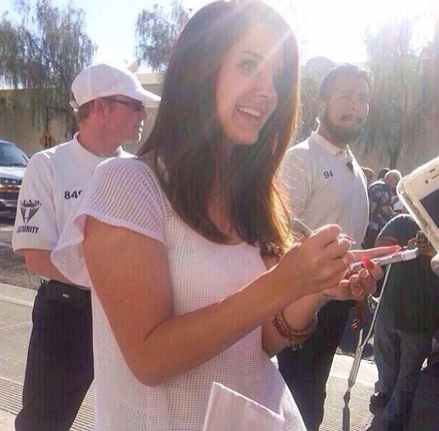 Lana outside the 'Comerica Theatre' in Phoenix, Arizona (Apr. 15, 2014)