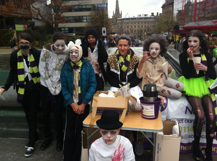 Silverdale School kids did a special haloween circus skills presentation in town to raise money for Neurocare.    www.neurocare.org.uk