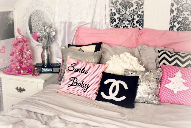My pink christmas themed room decor girly glam and for Girly bedroom decor