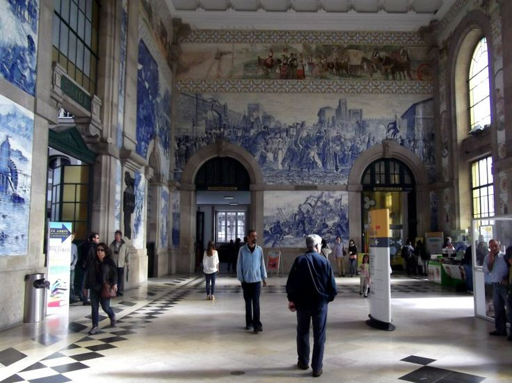 The entrance hall of Porto train station  (Portugal)