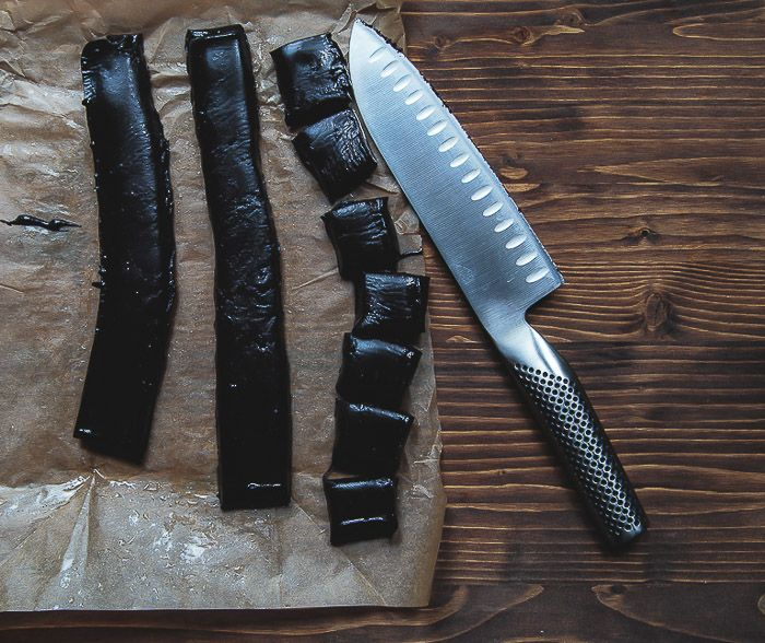 Black licorice for all!! not sugar free, but it is a recipe, and i'm wondering how to adapt it....