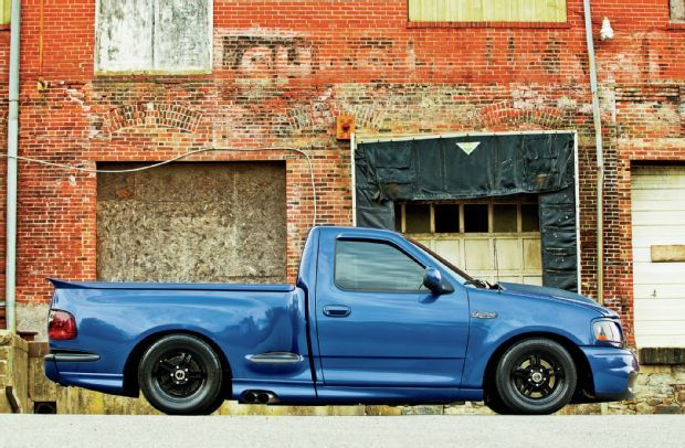 2003 Ford F-150 SVT Lightning - sonic blue