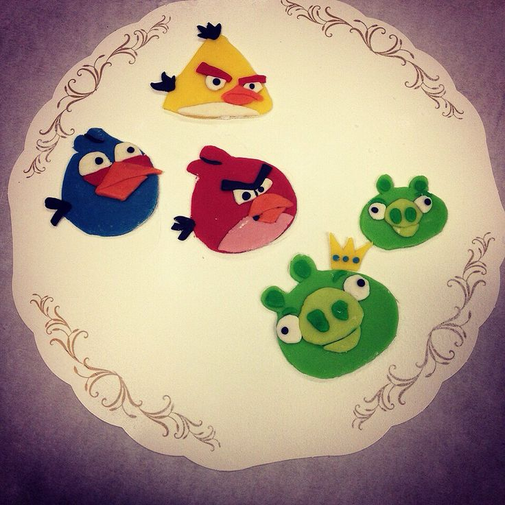 Marzipan angry birds I did for a customer.