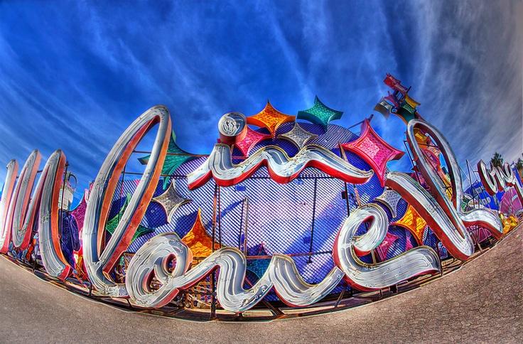 Las Vegas Neon Boneyard / Frank McKenna: Las Vegas, Inspiration Usa, Neon Signs, Neon Boneyard, Lasvega October, Art Direction, October 2015, Frank Mckenna, Boneyard Typography