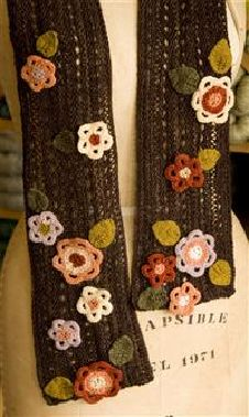 Free flowery scarf pattern- must knit this!