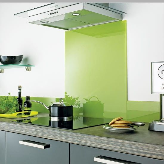 The idea of a modern kitchen in B/W with Lime has always intrigued me.