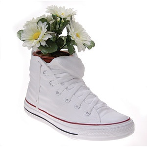 Jody now featured on Fab.Diy Ideas, Converse All Stars, Running Shoes, Jodie Vases, Crafts Ideas, Antartide Jodie, Stars Inspiration, Flower Pots, Stars Flower