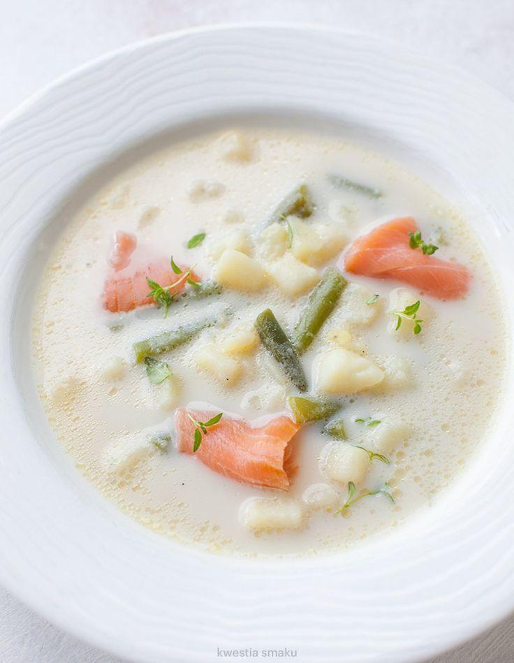 Zupa z fasolką szparagową, ziemniakami i łososiem wędzonym
