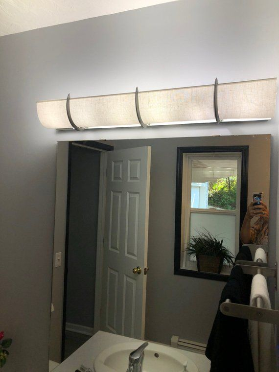8 Bulb Bath Light Fixture