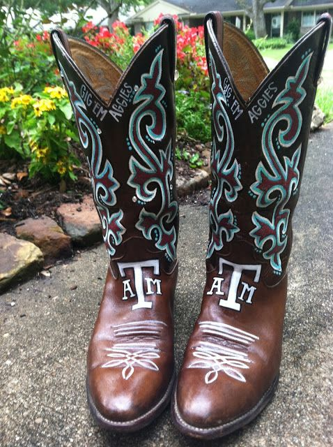 Hand-Painted Custom Boots -- Try taking your favorite cowboy boots from South Texas Tack and customize them with a little paint. Truly a college girl's dream! | Design by http://b-krafty.blogspot.com/