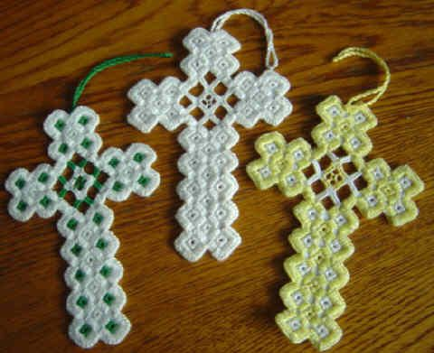 Hardanger Cross por BrokenAchers en Etsy