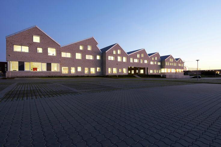 Escola Social e de Assistência Médica em Aarhus / Cubo Arkitekter | ArchDaily Brasil