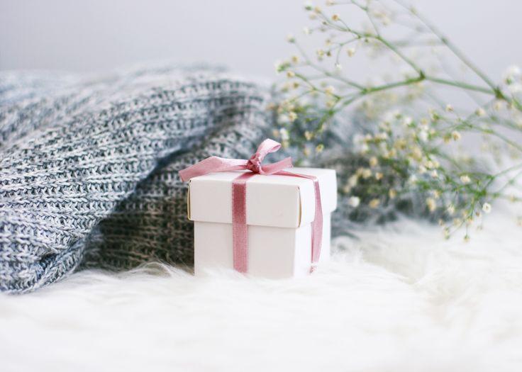 All good things come in small packages <3 #lebaiser #prezent #gift #giftforher #pomysłnaprezent #lace #fashion #handmade #handmadeisbetter #handmadewithlove #beautiful #romantic #instafashion #instastyle #bestoftheday #picoftheday #lacelover #elegantpacking #garter #podwiązka #underwear #bielizna #lingerie #bestpresent #wedding #ślub #pannamłoda #bride #bacheloretteparty #wieczórpanieński