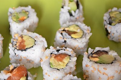 Spicy Salmon Avocado Roll Sushi Recipe (use brown rice instead to make it healthy)