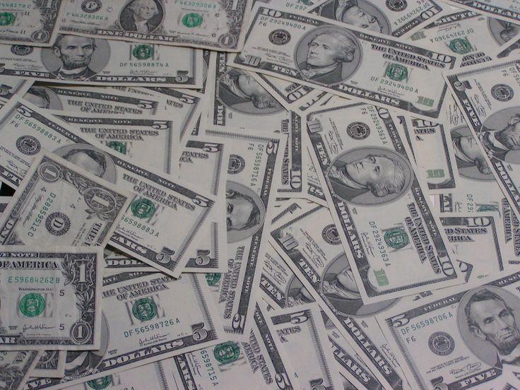 Peníze změnily celé lidstvo, rozdělily ho na chudé a bohaté. Často jejich množstvím měříme úspěch, měníme kvůli nim povolání a často také styl života. Kdo jich má hodně, je mocný, kdo málo, žije v bídě. Jedná se o nejpozoruhodnější esenci, která…