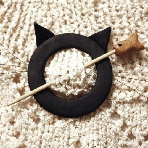 Cat Shawl Pin Black Polymer Clay by WireDreamsDesign on Etsy