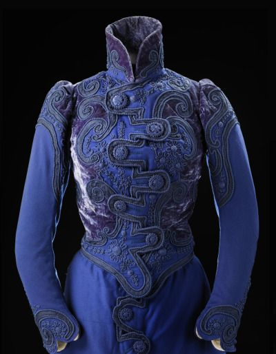 """Fripperies and Fobs  Going-away suit, 1899  From the exhibition """"A Century of Style: Costume and Colour 1800-1899″ at Glasgow Museums"""