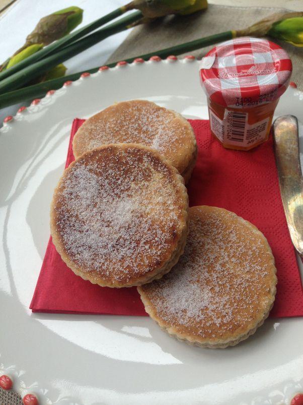 vegan welsh cakes, cinnamon flavour