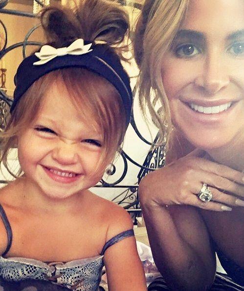 Kim Zolciak and Family   Reality TV Stars Family Pics Of The Week – Kim Zolciak, Heather ...  / OH MY GOSH~  HOW FREAKING CUTE IS SHE?